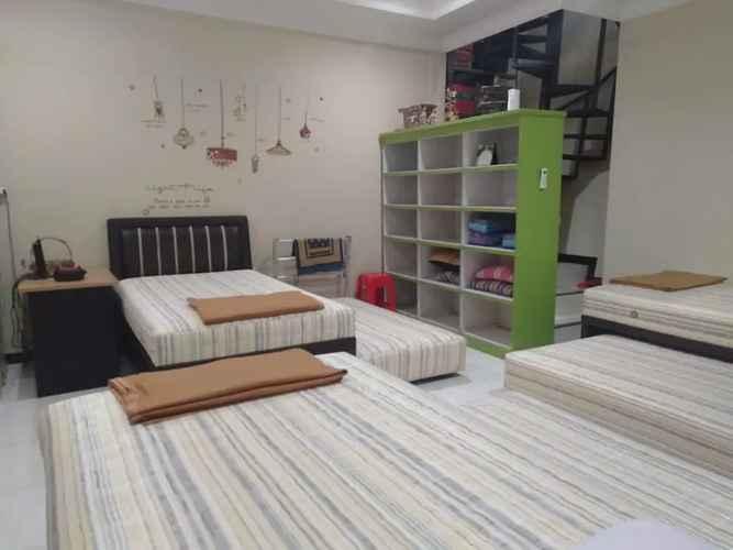 LOBBY Hostel Eakon Shared Room Near Menoreh Talangsari