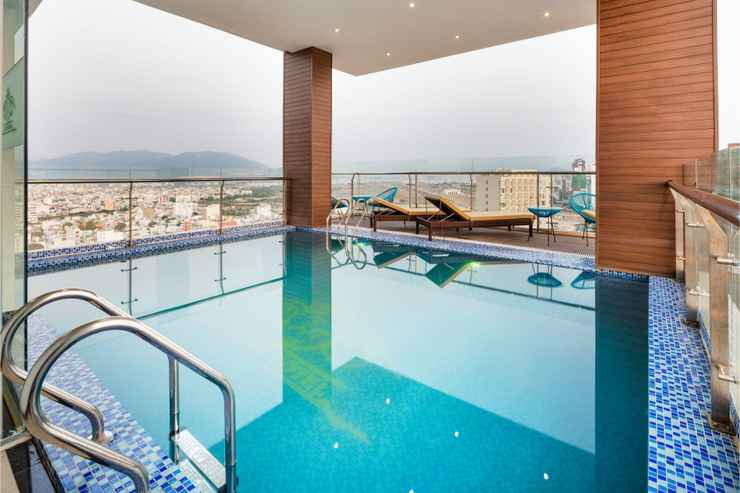 SWIMMING_POOL Crown Hotel Nha Trang