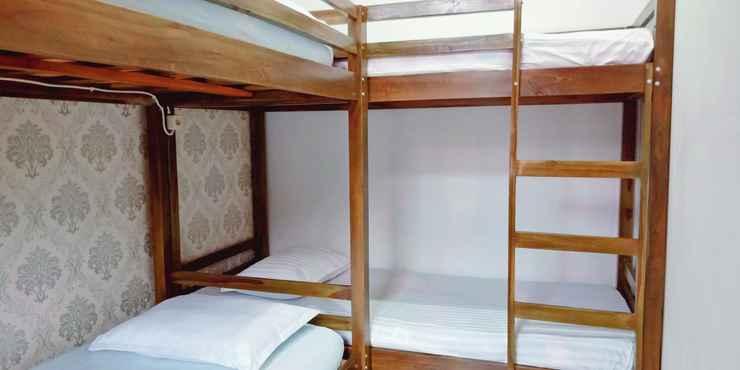 BEDROOM Budget Room at Permana Youth Hostel