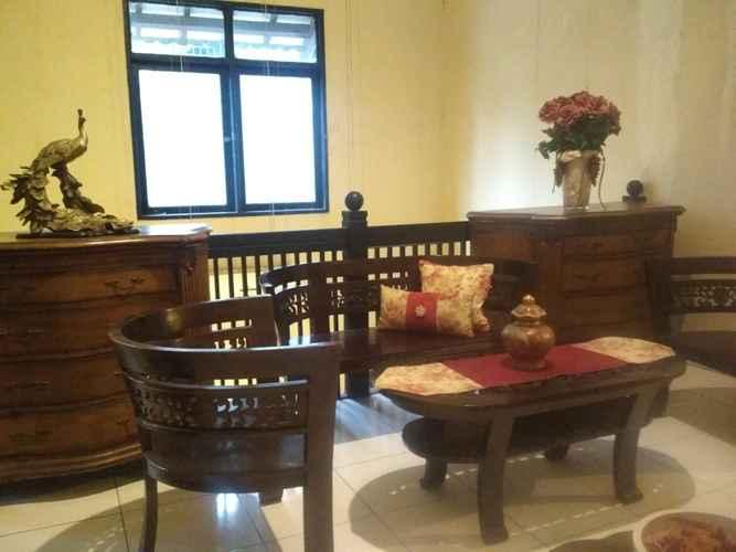 LOBBY Designer Home Kucica