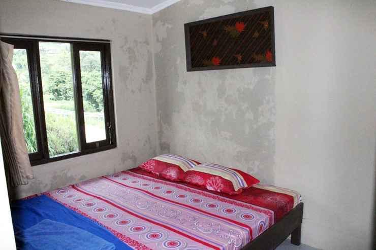 BEDROOM Cozy Homestay Anggrek by Damandiri Selo