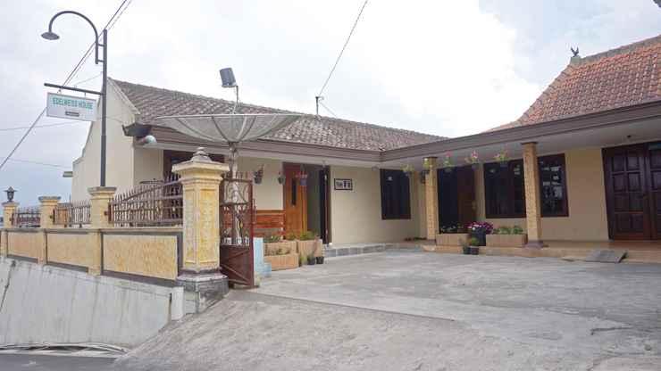 EXTERIOR_BUILDING Cozy Homestay Edelweiss by Damandiri Selo