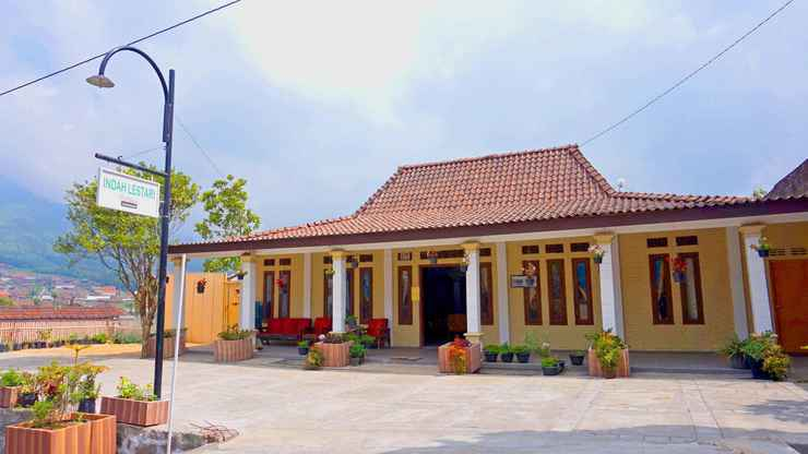 EXTERIOR_BUILDING Cozy Homestay Indah Lestari by Damandiri Selo