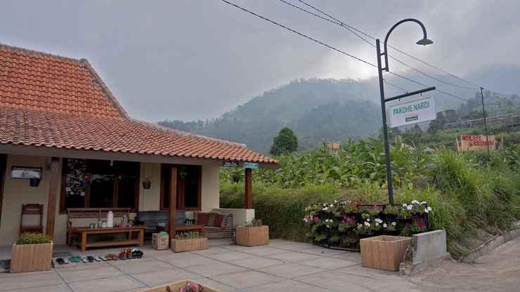 EXTERIOR_BUILDING Cozy Homestay Pakdhe Nardi by Damandiri Selo