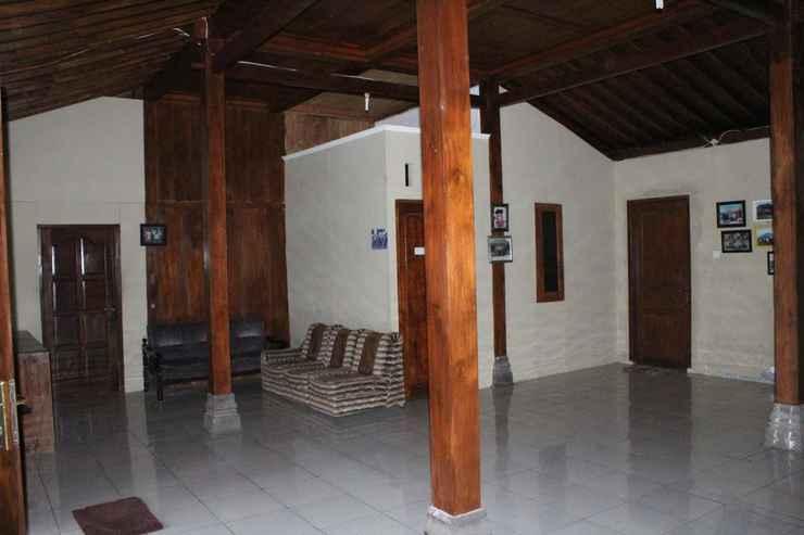 LOBBY Cozy Homestay Pakdhe Nardi by Damandiri Selo