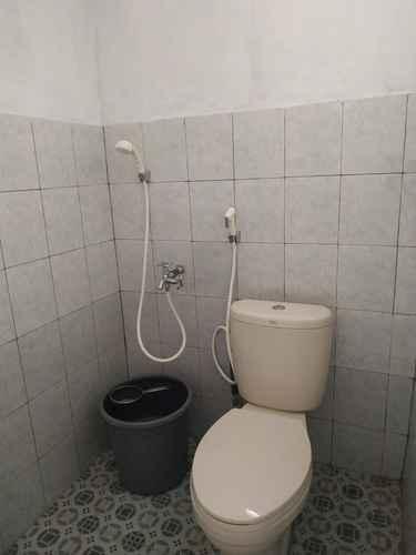 BATHROOM Ayomi Homestay