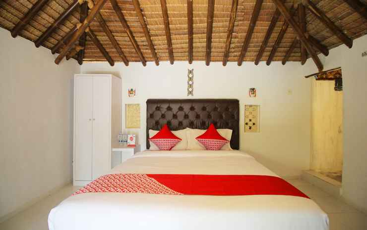 OYO 1115 Villa And Resto Kubu Selem Etnik Bali Bandar Lampung - Deluxe Double