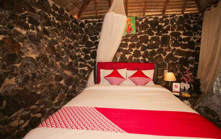 OYO 1115 Villa And Resto Kubu Selem Etnik Bali Bandar Lampung - Suite Double