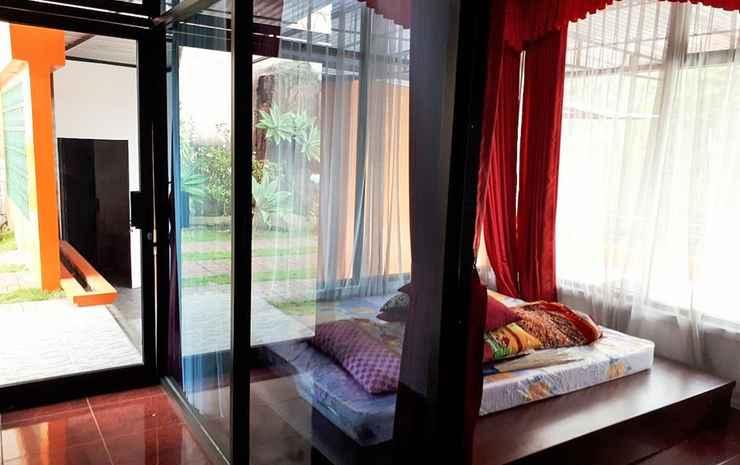 Full House 7 Bedrooms at Villa Adelline Karanganyar - 7 Bedroom