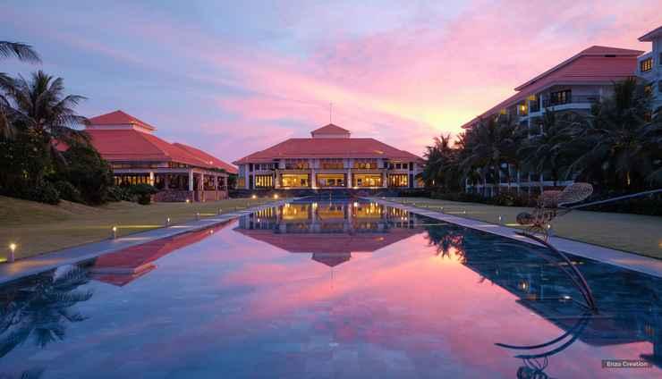 SWIMMING_POOL Pullman Danang Beach Resort