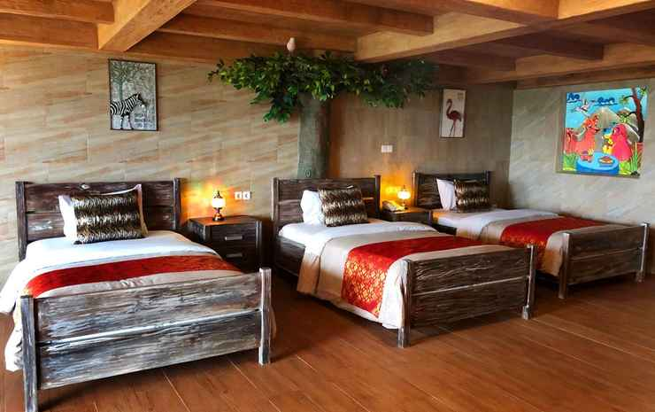 Seruni Hotel Hobbit House Bogor - Hobbit Goblin Triple Bed