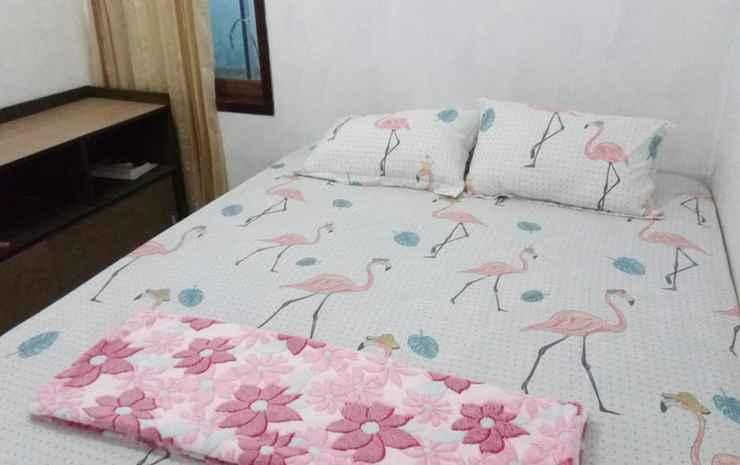 Full House 3 Bedrooms at Homestay Pala Pekalongan - 3 Bedroom (Max check in 22.00)