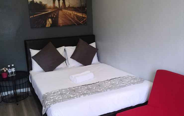 Town View Hotel Kuala Lumpur - Deluxe Room with Window (Room Only NR)