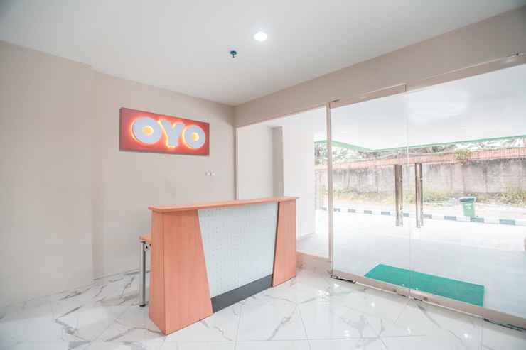 LOBBY OYO 498 Green Lake View Ciputat Syariah