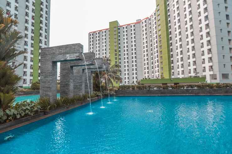 SWIMMING_POOL OYO 498 Green Lake View Ciputat Syariah