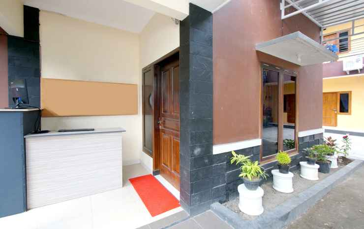 OYO 347 Bayang Brothers Guest House Near Jogja International Hospital