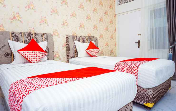 OYO 433 Nelvi Guest House Syariah Padang - Indonesia Deluxe Twin