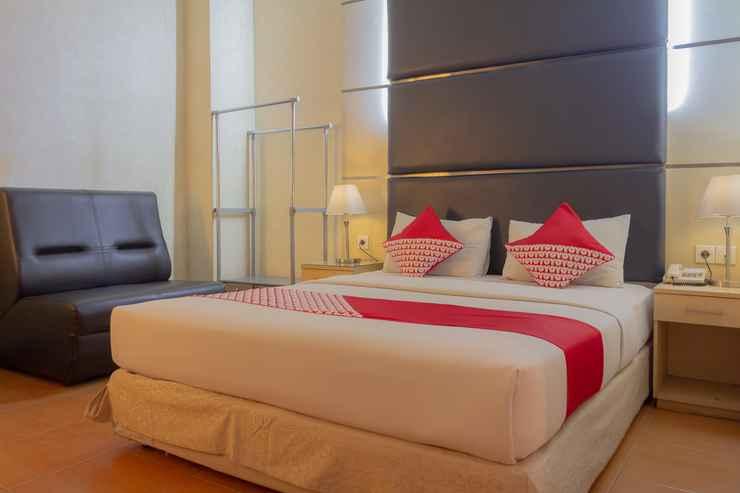 BEDROOM OYO 180 Hotel Mirah Near RSUD Sawah Besar