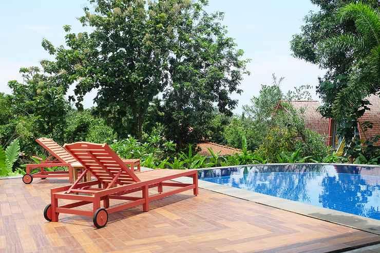 SWIMMING_POOL Rimba Desa Resort Inn Jepara