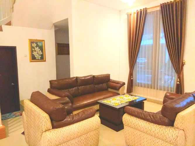LOBBY Full House 3 Bedroom at Fams Homestay by FH Stay