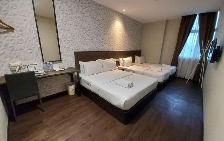 MIICO Hotel @ Mount Austin Johor - Family(2 Single + Queen) Window