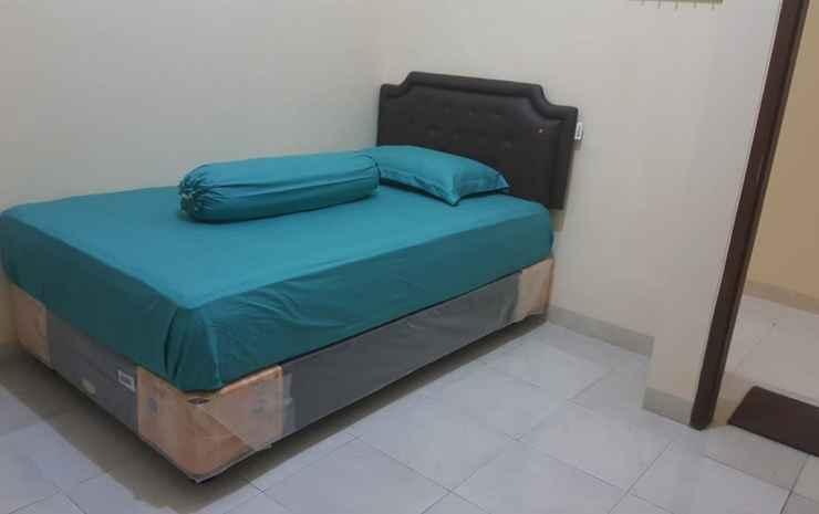 Kika Homestay Makassar - Deluxe Room (Max Check in Pukul. 22.00)