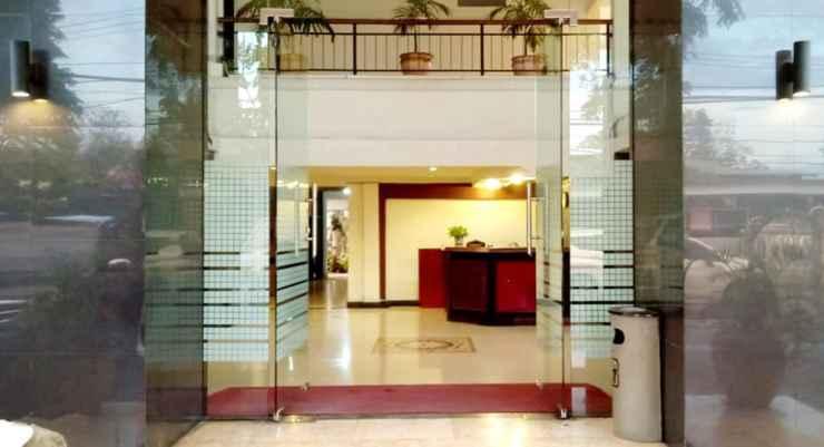 LOBBY Yuta Hotel