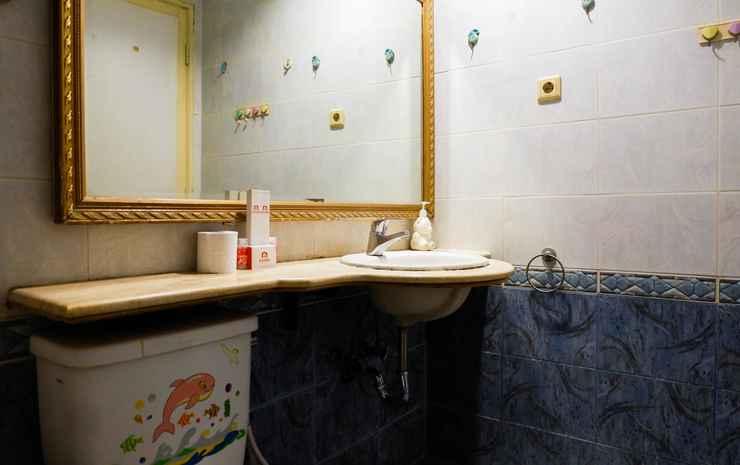 Spacious 1BR Apartment at Taman Beverly by Travelio Surabaya -