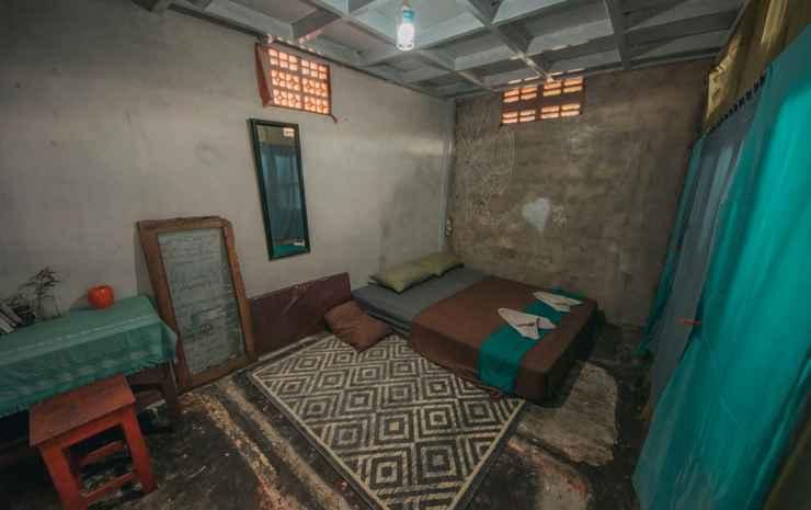 YezYezYez All Good Hostel  Yogyakarta - Private Room with Shared Bathroom (Cadangan)
