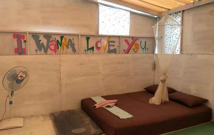 YezYezYez All Good Hostel  Yogyakarta - Well Room