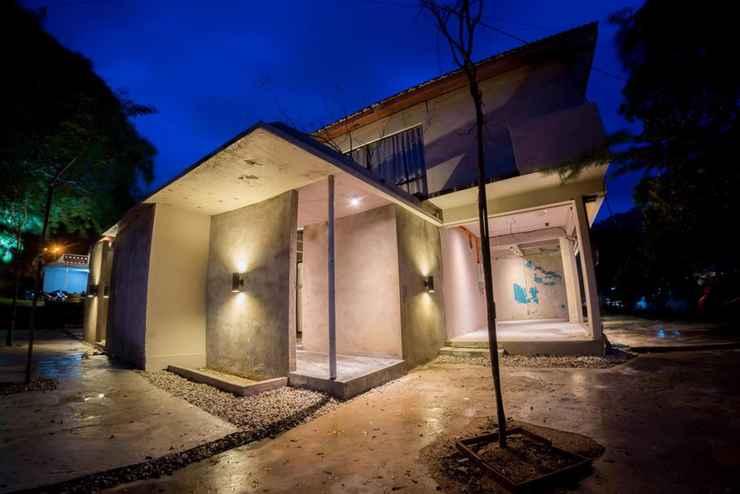 EXTERIOR_BUILDING Courtyard @ TC