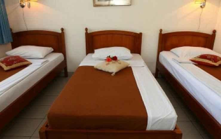 Villa GIRI KEMBANG Puncak - BROMO Triple Single Bed (Khusus Pasangan Suami Istri & Keluarga)