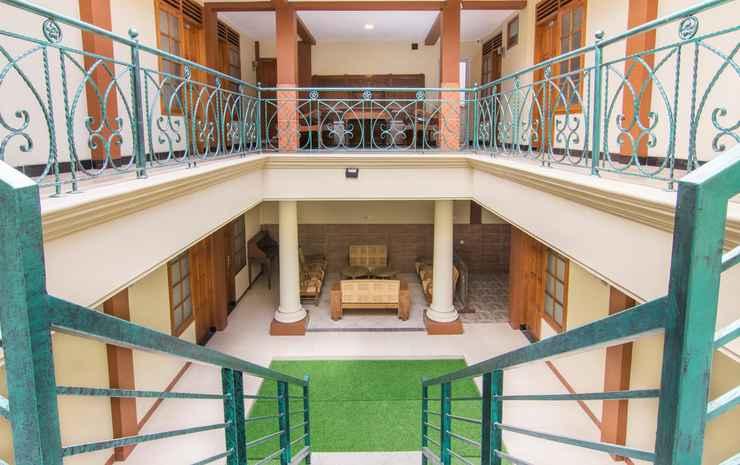 OYO 890 Dewi Fortuna Guest House