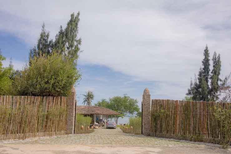 EXTERIOR_BUILDING Nhat Tu Son Beachfront Villa
