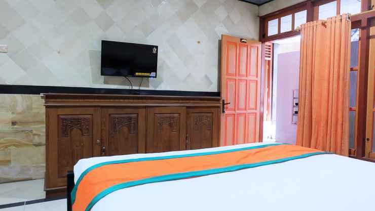 BEDROOM Simply Homy Guest House Gembira Loka 2