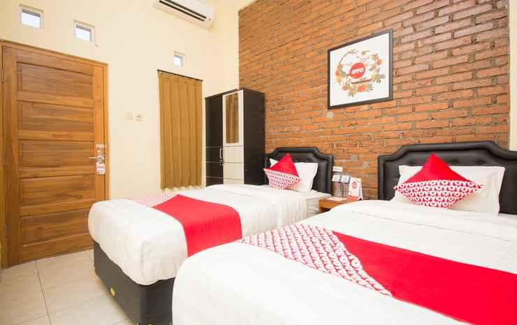 OYO 952 Annisa Syariah Guest House Yogyakarta - Deluxe Twin