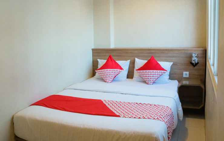OYO 984 Maleo Guest House Ambon - Deluxe Double