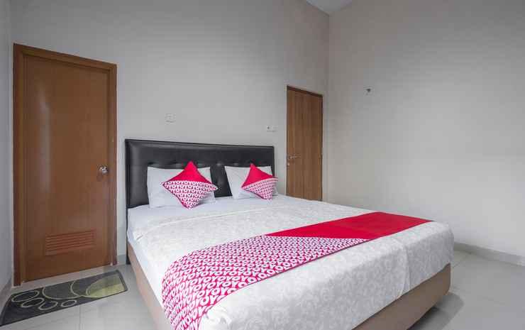 OYO 928 Hotel Astra Novilia Makassar - Deluxe Double