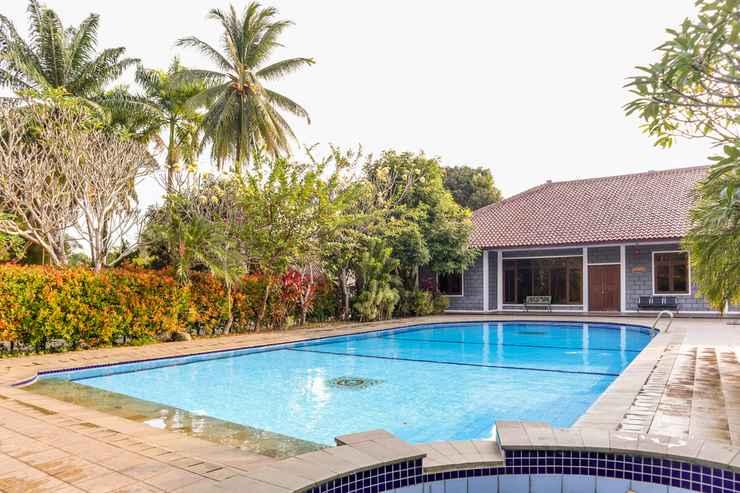 BEDROOM OYO 1395 Carita Asri Villas & Resort