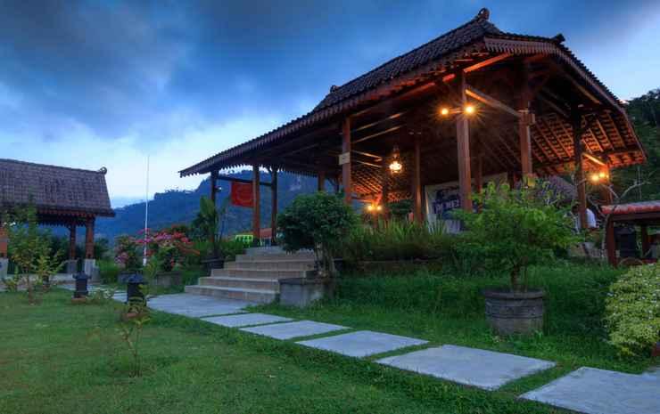 Balkondes Majaksingi Borobudur Magelang -