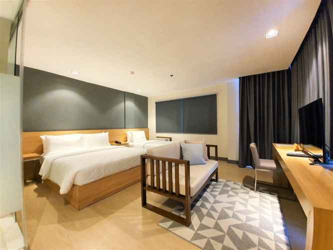 BEDROOM Real Suites