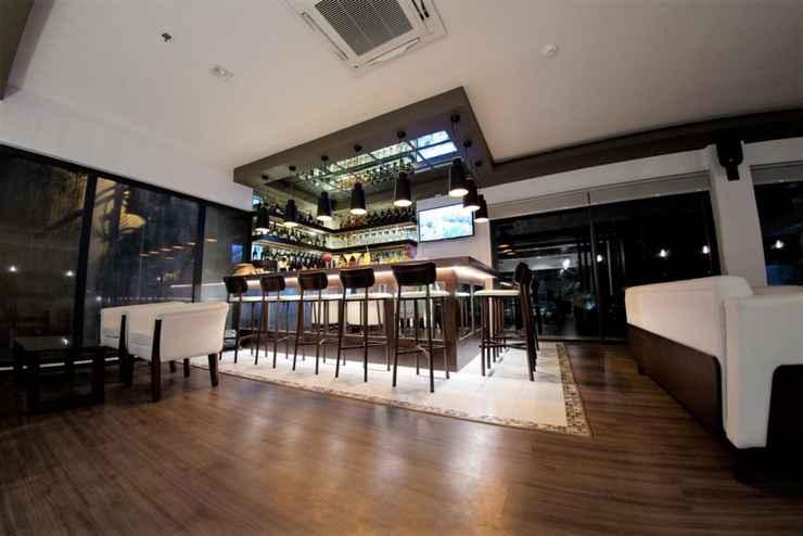 BAR_CAFE_LOUNGE Real Suites