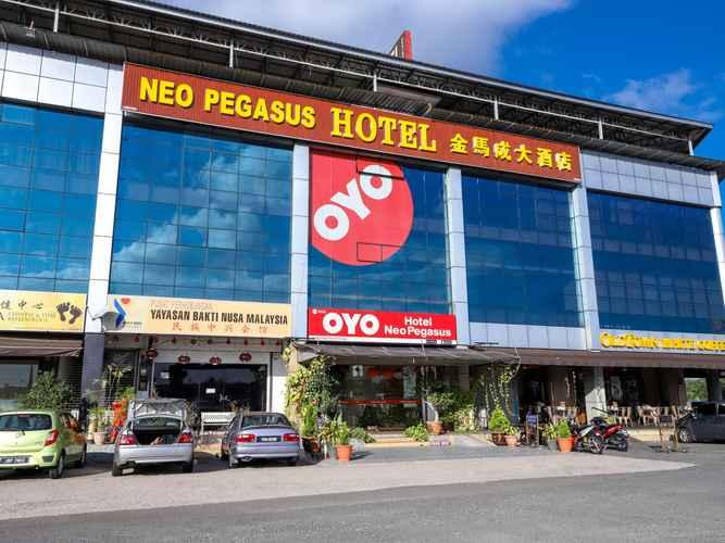 EXTERIOR_BUILDING Neo Pegasus Hotel