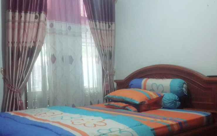 2 Bedrooms at Homestay Rumah Nenek 4 Karanganyar - 2 Bedrooms