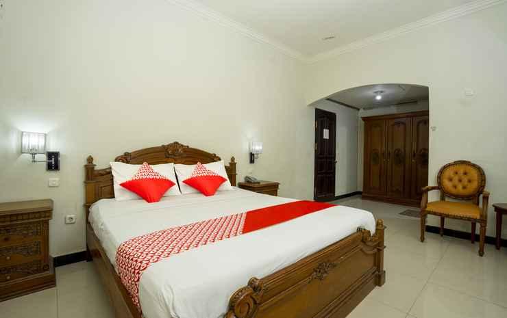OYO 1005 Hotel Kumala Samarinda - Suite Double