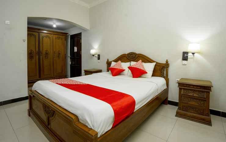 OYO 1005 Hotel Kumala Samarinda - Deluxe Double