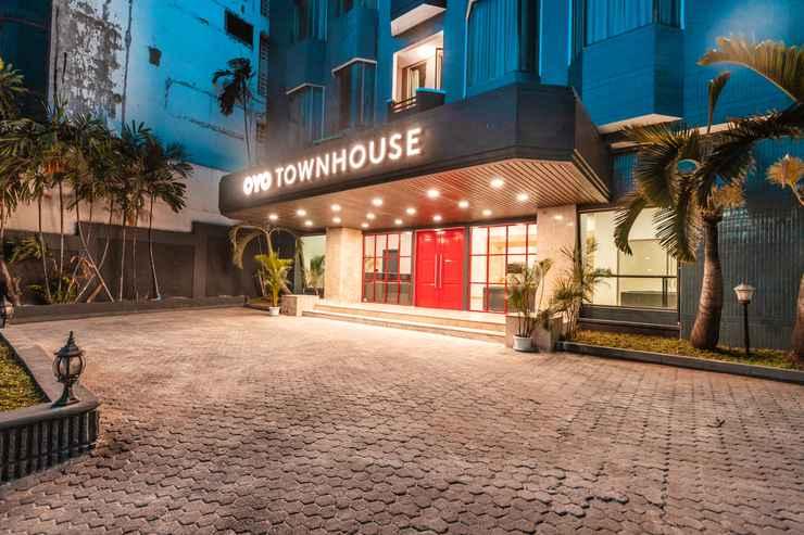 EXTERIOR_BUILDING OYO Townhouse 2 Hotel Gunung Sahari Near Rs Hermina Kemayoran