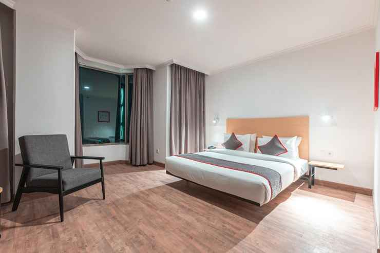 BEDROOM OYO Townhouse 2 Hotel Gunung Sahari Near Rs Hermina Kemayoran