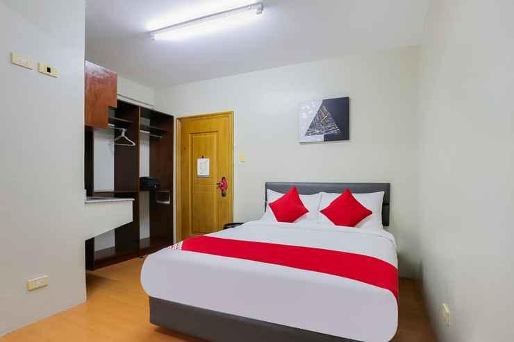BEDROOM OYO 190 Anglo Residences
