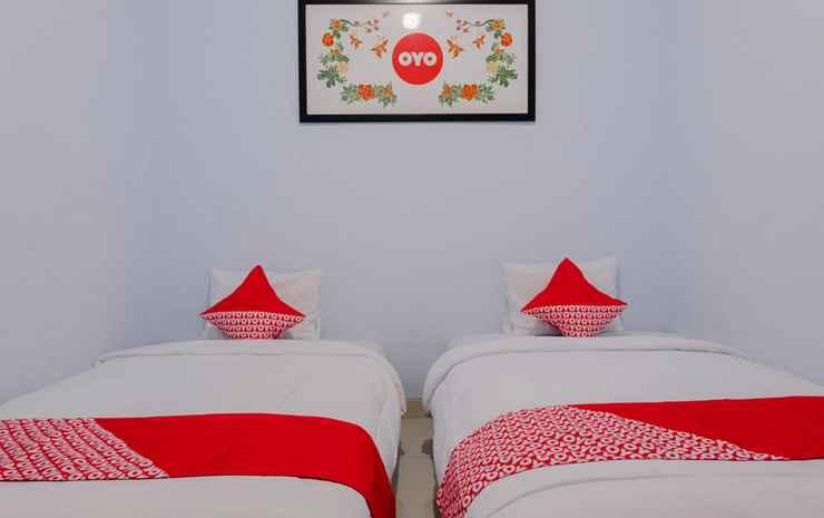 OYO 1109 Bing Jaya Guest House Malang - Standard Twin